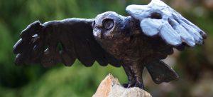 Uil (2015) brons op steen